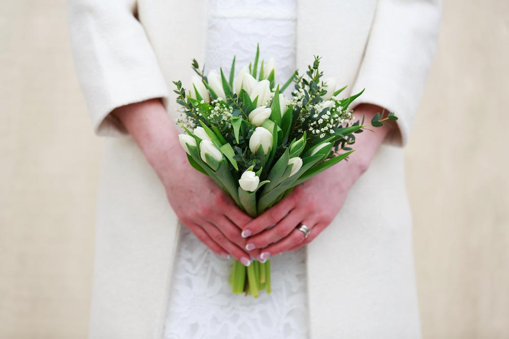 Bröllopsfotografering, brudbukett, på Gränsö slott - fotograf Phia Bergdahl, Västervik