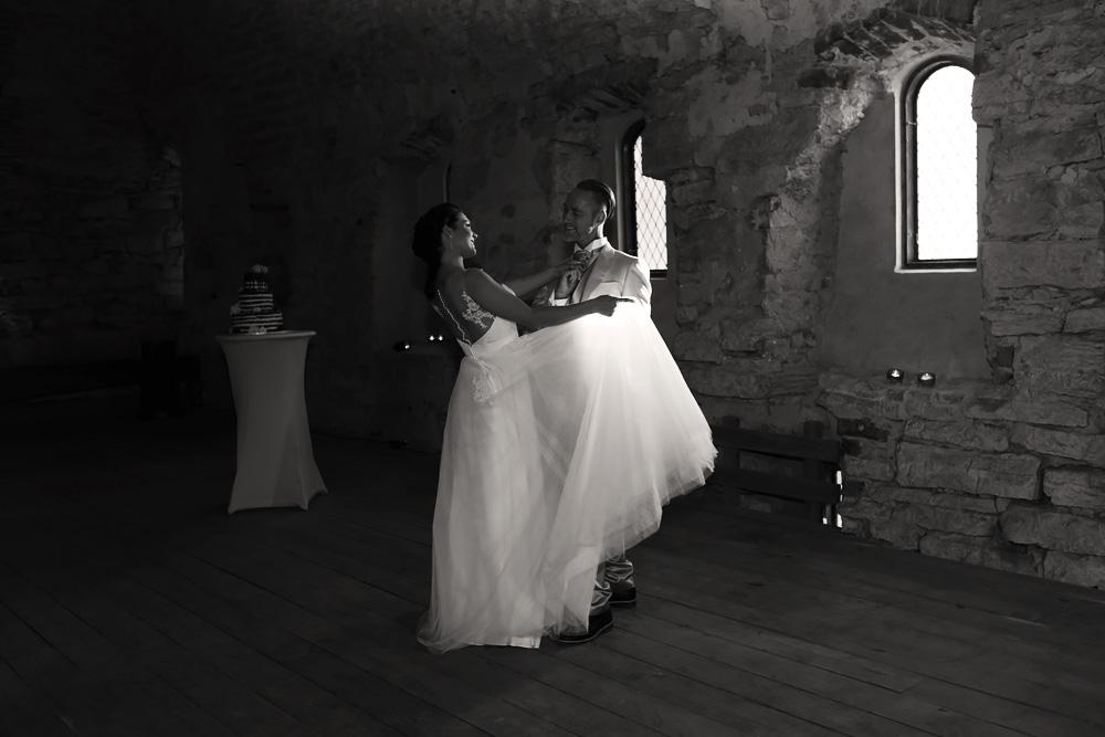 bröllopsfotograf gotland nextweddingworkshop dansande brudpar