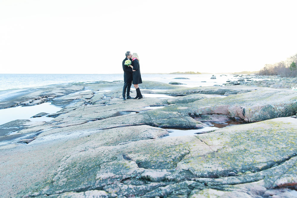 Brudpar på Skanvik - bröllopsfotograf Phia Bergdahl Västervik