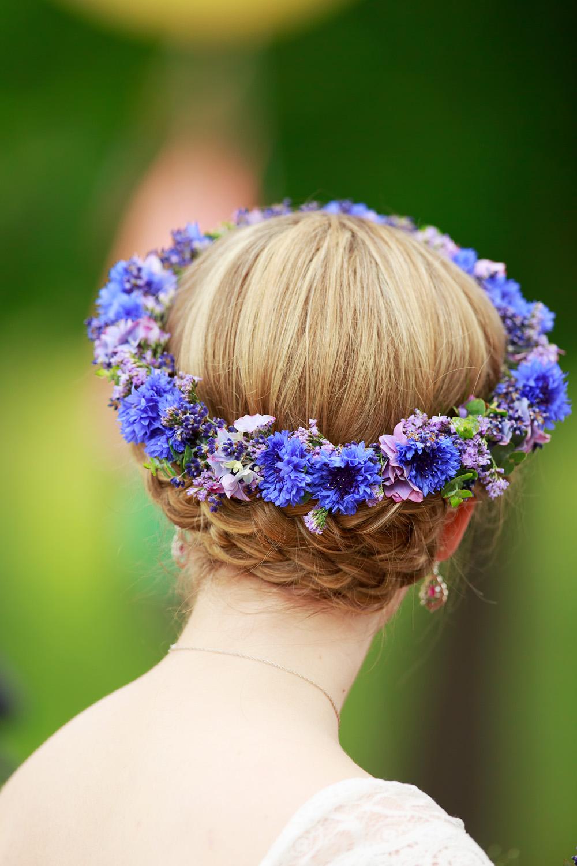 Brudens krans på bröllop på Gränsö slott - bröllopsfotograf Phia Bergdahl Västervik