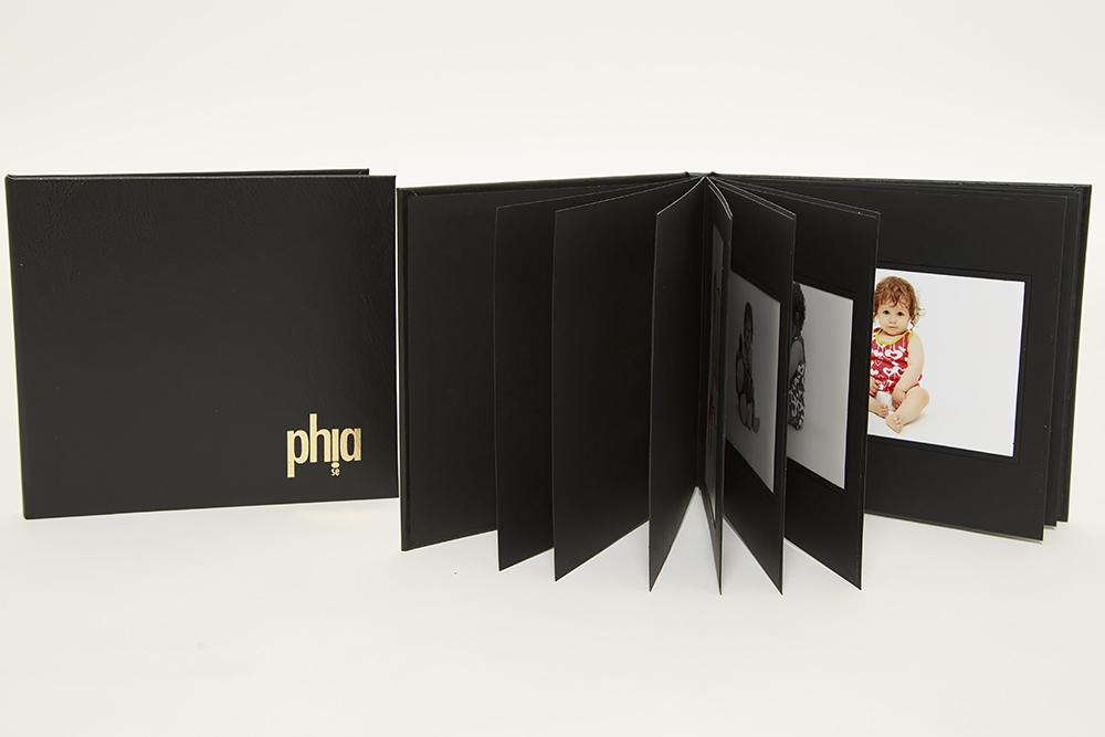 Porträttalbum från fotograf Phia Bergdahl i Västervik