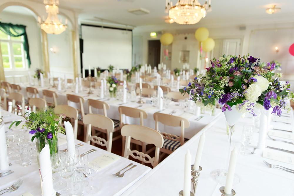 Dukningen på bröllop på Gränsö slott - bröllopsfotograf Phia Bergdahl Västervik