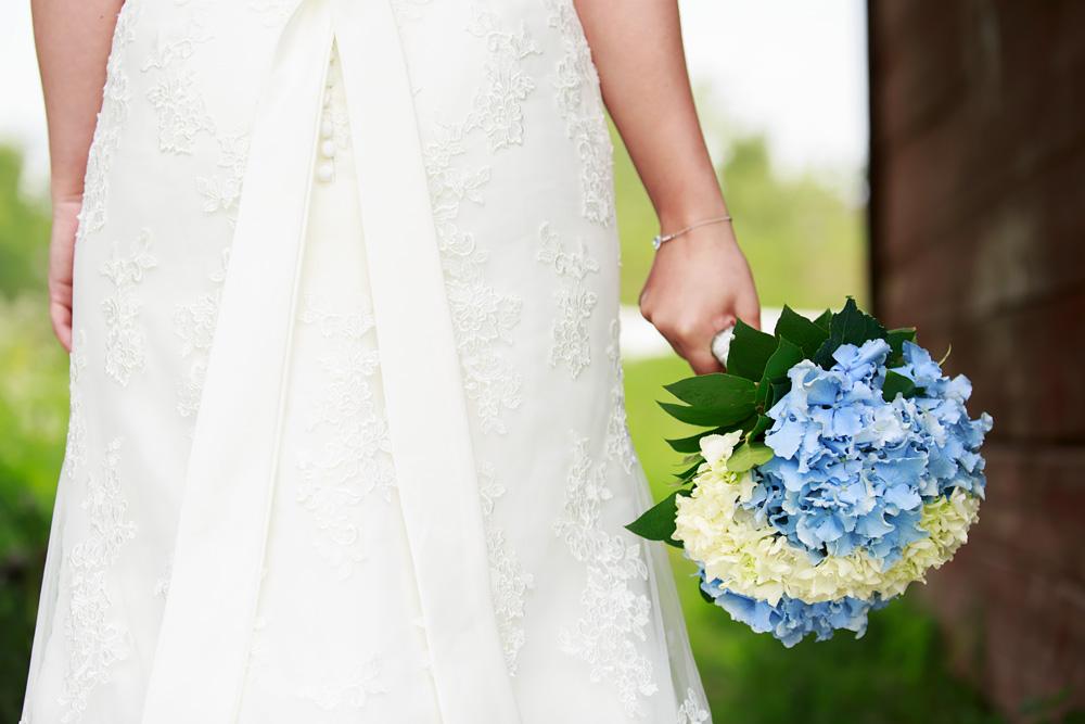 Brudbukett i pelarne vimmerby - bröllopsfotograf Phia Bergdahl Västervik