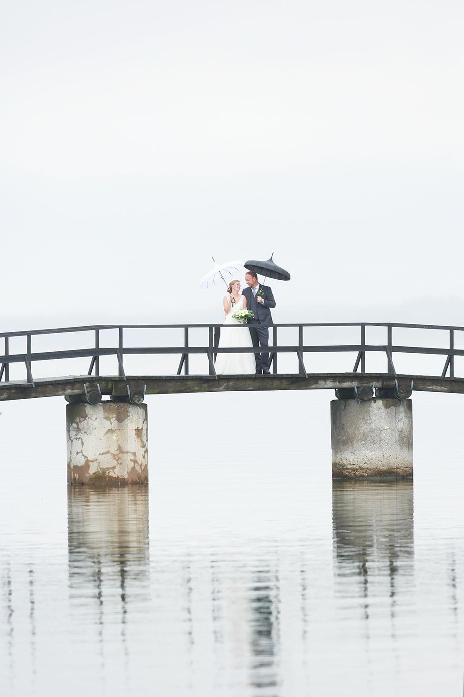 Brudpar på bron till Ekholmen, Gränsö slott