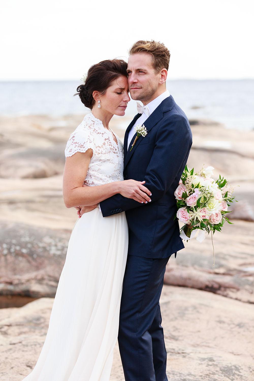 Brudpar vid havet på Skanvik Västervik