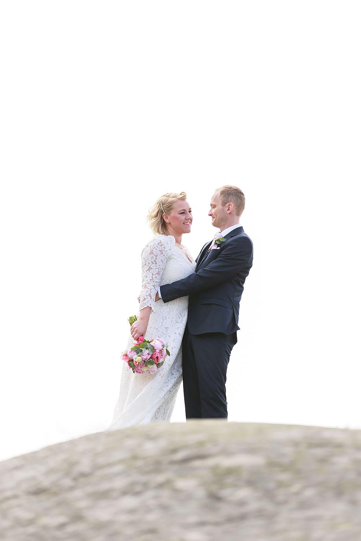 Brudpar på klippa vid Händelöps udde